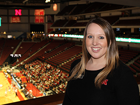 Hospitality student working at Pinnacle Bank Arena.