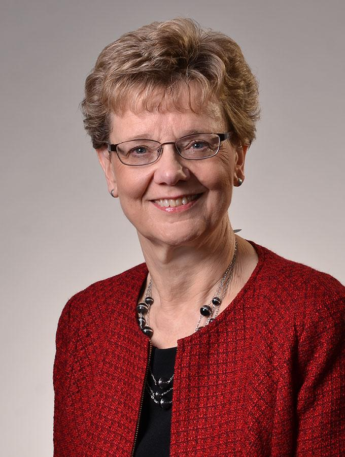 Linda Young portrait picture